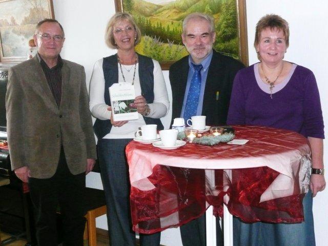 Gruppenbild der Bürgermeister von Lissendorf und Birgel und der Leit. der Bücherei